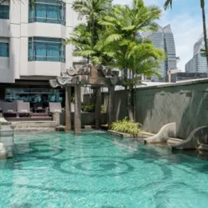 Thailand Honeymoon Packages DoubleTree By Hilton Bangkok Ploenchit Pool