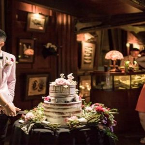 Bali Honeymoon Packages Double Six Luxury Hotel, Seminyak Wedding Cake