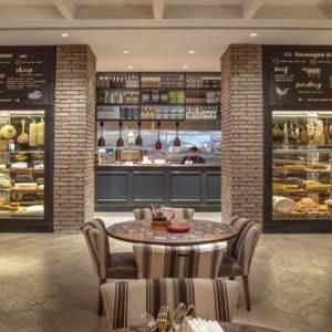 Dubai Honeymoon Packages Amwaj Rotana JB'S Gastropub1