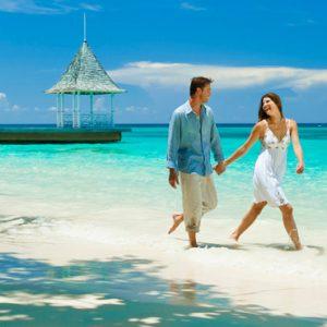 Jamaica Honeymoon Packages Sandals Royal Plantation Jamaica Couple
