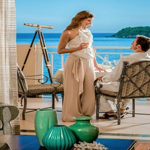 Jamaica Honeymoon Packages Sandals Royal Plantation Jamaica Couple In Room