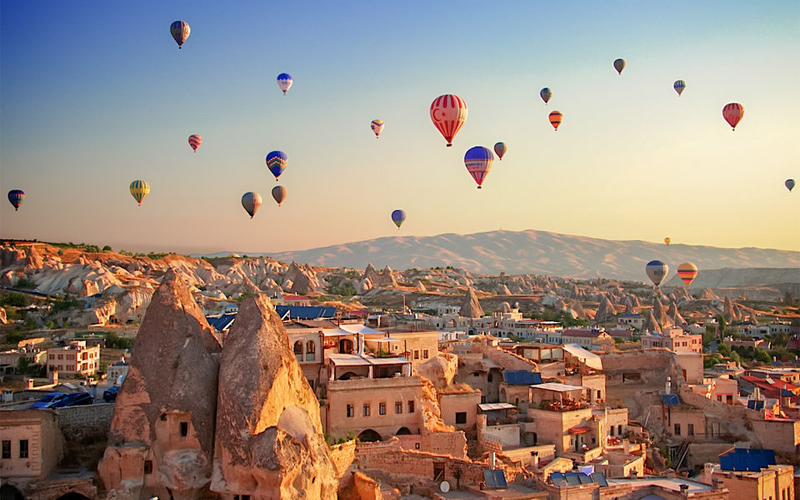 The Most Romantic Hot Air Balloon Rides In The World Cappadoccia, Turkey