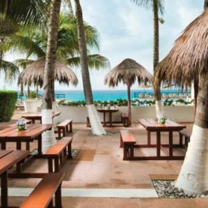 Barefoot Grill Now Emerald Cancun Mexico Honeymoons