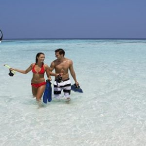 Maldives Honeymoon Packages Innahura Snorkeling1