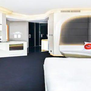 King Deluxe Room3 V Hotel Dubai, Curio Collection By Hilton Dubai Honeymoons