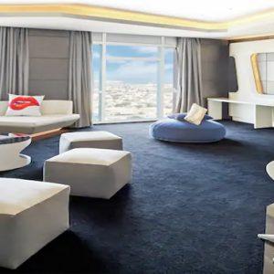King Vibrant Suite V Hotel Dubai, Curio Collection By Hilton Dubai Honeymoons