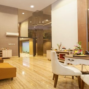 Nari Spa Reception De Vins Sky Hotel Seminyak Bali Honeymoons