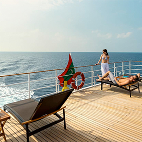 Four Seasons Explorer Maldives Best Things To Do In The Maldives Maldives Honeymoons