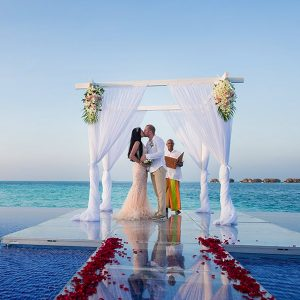 Symbolic Wedding In The Maldives Best Things To Do In The Maldives Maldives Honeymoons